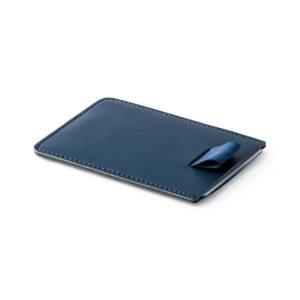 PORTA CARTÕES – Porta cartões. PU. Tecnologia de bloqueio RFID. Fita em poliéster para retirar facilmente seus cartões.