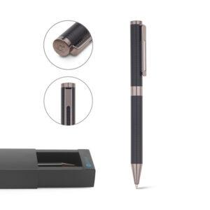 CANETA ESFEROGRÁFICA –  Elegante esferográfica em metal, com acabamento preto mate, clipe em aço inox.