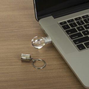 Pen drive em formato de lâmpada